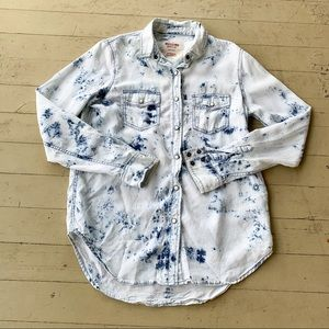 Mossimo XS tie dye chambray long sleeve button